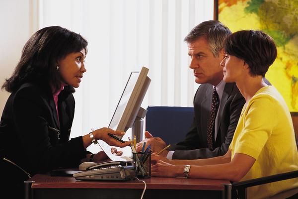 Клиенты ценят системы денежных переводов за надежность и удобность.